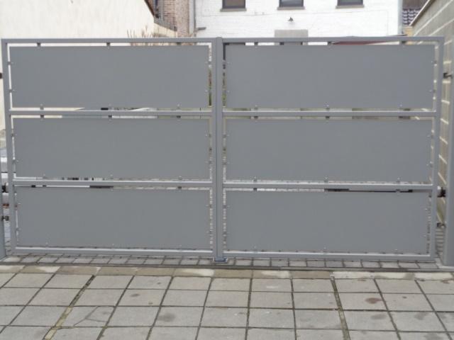 Portail moderne sur mesure promopro for Portail exterieur sur mesure